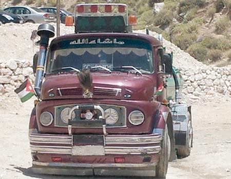 عمان : وفاة سبعيني دهساً تحت عجلات تنك ماء في وسط البلد