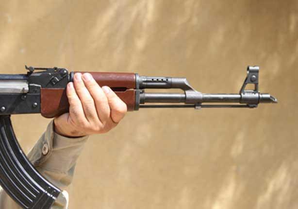 تزويد المعلمين بأسلحة رشاشة لحمايتهم من الاعتداءات