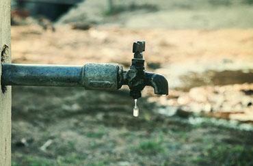 الكرك : انقطاع المياه عن مدرسة الجديده  الثانوية منذ اسبوعين