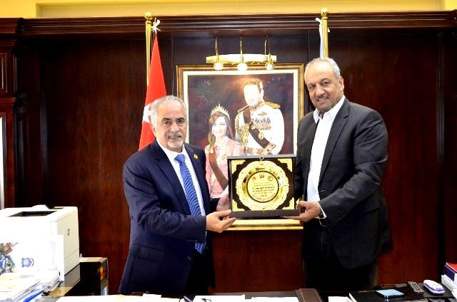 اتحاد كرة اليد في الأردن يكرّم جامعة عمان الأهلية