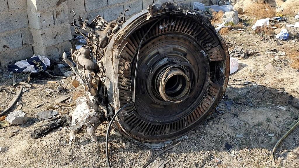 إيران تؤكد أن الطائرة الأوكرانية أُسقطت بصاروخين