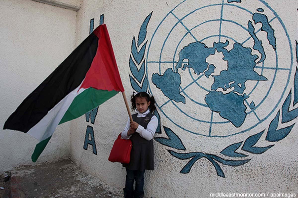 محلل: تقليص مساعدات الأونروا جزء من العقوبات الأمريكية للشعب الفلسطيني