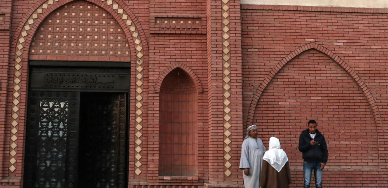 """بالفيديو .. اسرار تكشف لاول مرة عن مقبرة حسني مبارك """"كلفته مليون دولار""""  .. تفاصيل"""