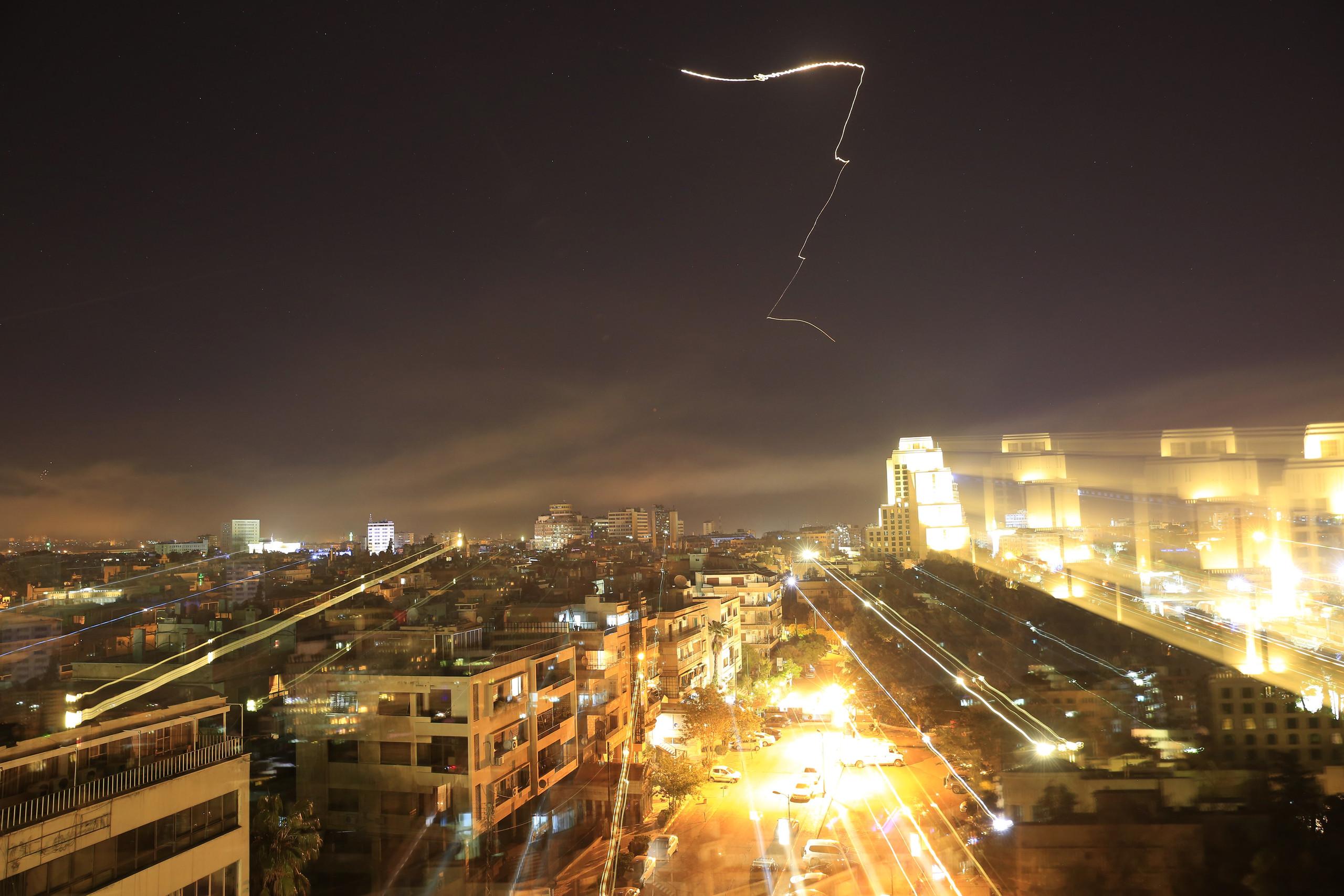 """بالصور  ..  كيف ظهرت دمشق خلال ضربات """"العدوان الثلاثي """" عليها"""
