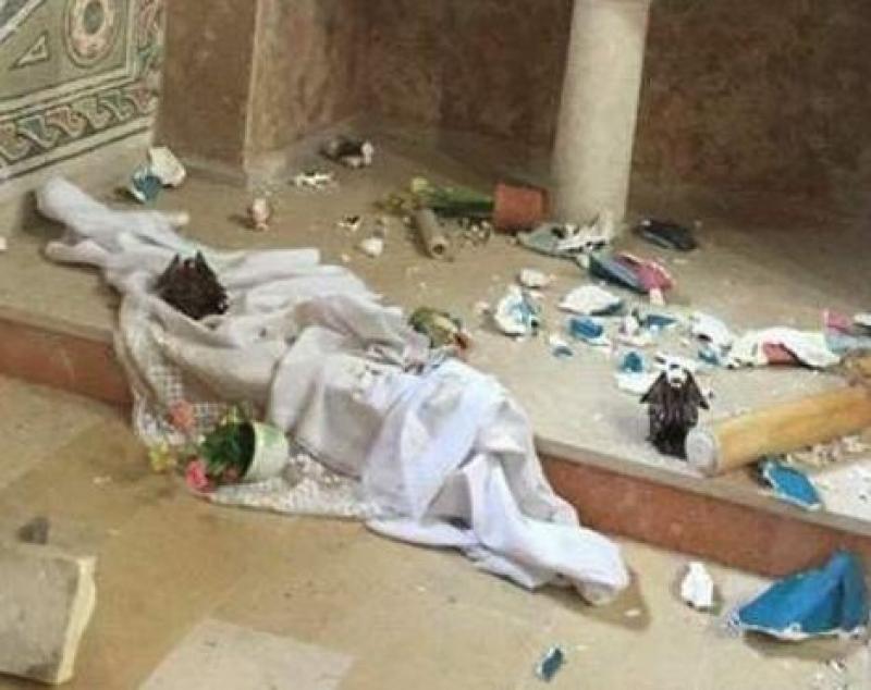 بالصور ..  مجهولون يحطمون محتويات كنيسة بالقدس