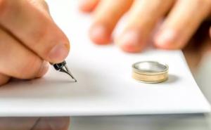 أسرع إنفصال في العالم ..  كويتية تطلب الطلاق من زوجها بعد 3 دقائق من الزواج بسبب صدمة حفل الزفاف