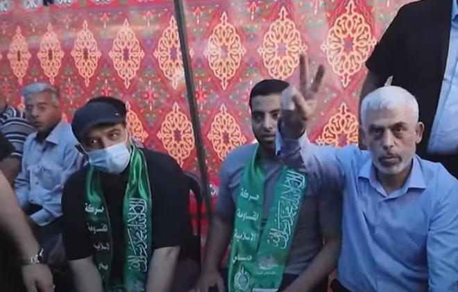 """حماس تُعلق على ظهور """"السنوار"""" بعد 48 ساعة من انتهاء العدوان الصهيوني على غزة  ..  فيديو"""