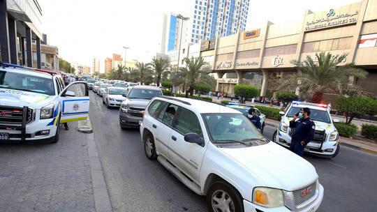 وافدون يعتدون على مصورة مشهورة في الكويت