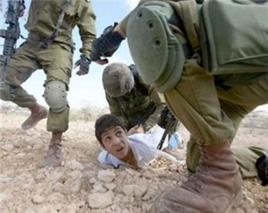 الارتباط العسكري يؤمن الافراج عن طفلين من الخليل