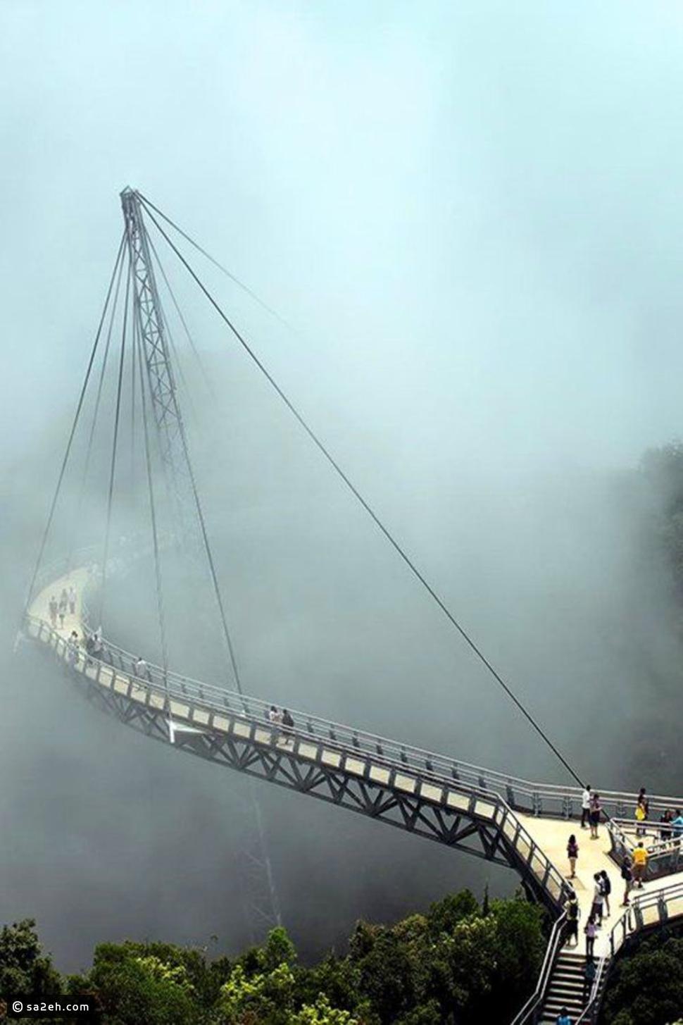 بالصور  ..  أفضل 10 جسور مذهلة بشكل مرعب في العالم