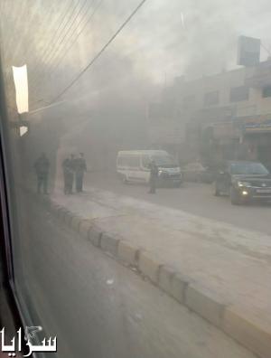 بالفيديو والصور   .. اربد: أعمال شغب من قبل أصحاب البسطات والأمن يستخدم الغاز المسيل للدموع