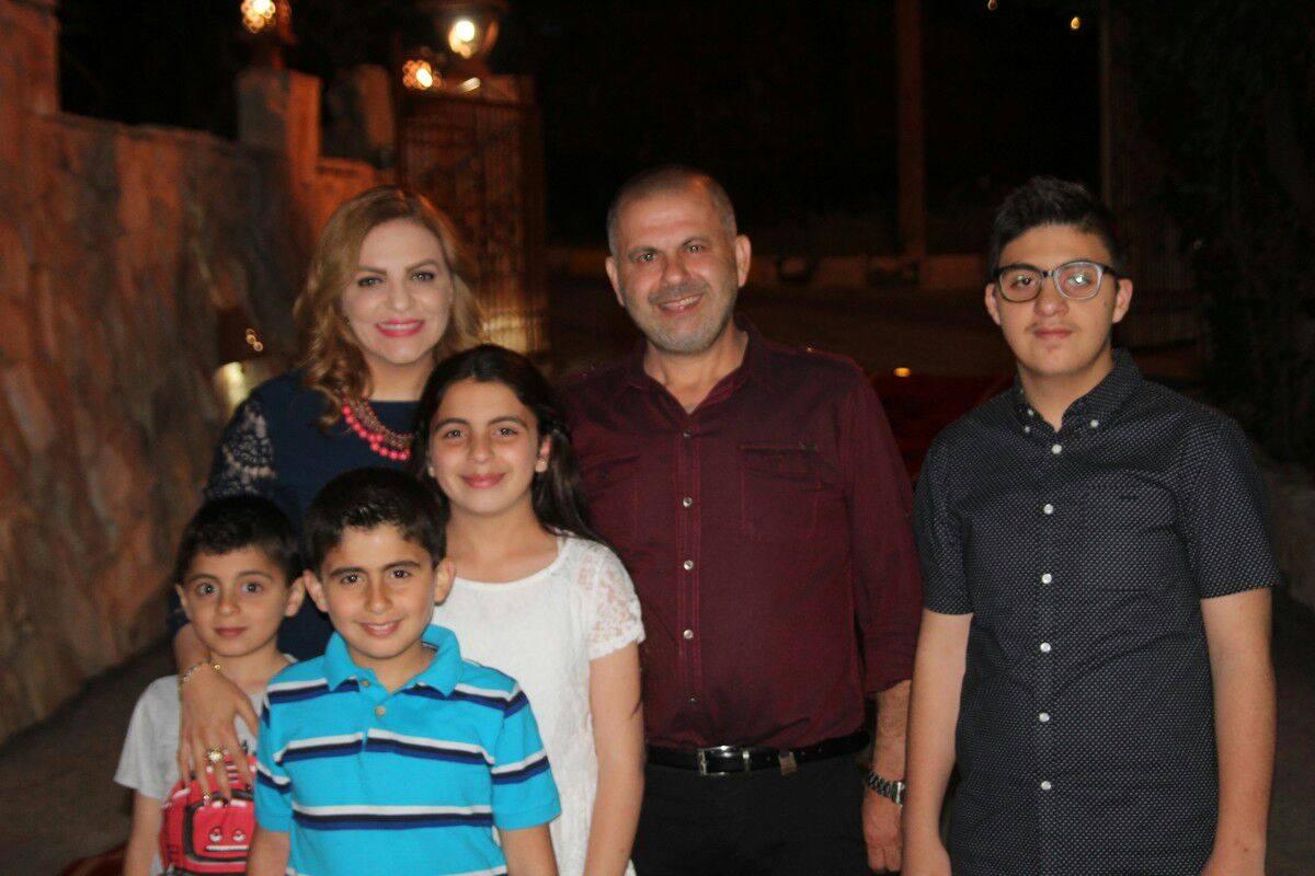 بالصور  ..  حفل عشاء في منزل يوسف المخامرة لحصوله على الدكتوراة