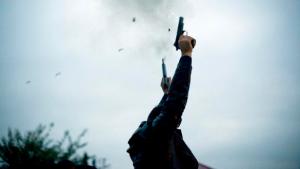 وزير الداخلية: سنضرب بيد من حديد كل من يطلق العيارات النارية في الافراح