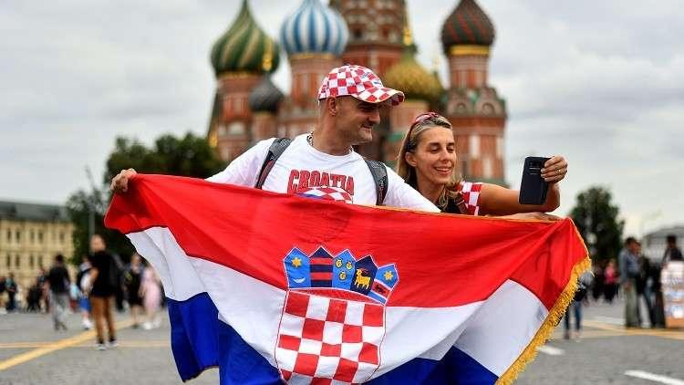 مشجعون كروات يشكرون روسيا على طريقتهم الخاصة