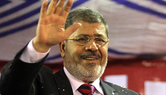 """قيادي سلفي : محمد مرسي كان يرفض الطعام في القصر الرئاسي خوفا من """" السّم """""""