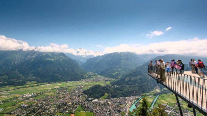 بالصور  ..  أفضل نشاطات سياحية في انترلاكن السويسرية