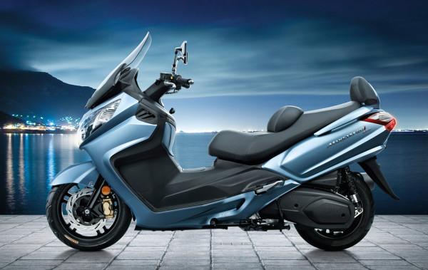لعشاق الدراجات النارية ..  دراجة نارية جديدة تزأر بقوة 34 حصان