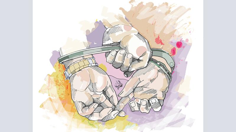 لص يعرض رشوة 200 ألف درهم على شرطيين لإخلاء سبيله في دبي