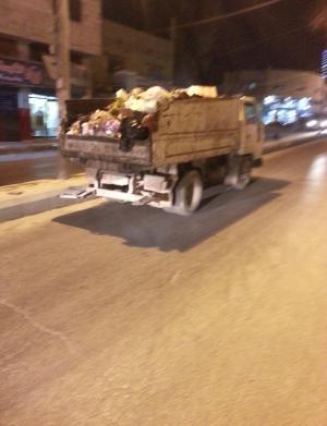 الزرقاء : شكوى حول عدم جاهزية سيارة نقل القمامة