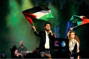 بالفيديو والصور  ..   محمد عساف وعهد التميمي يشعلان أجواء رام الله