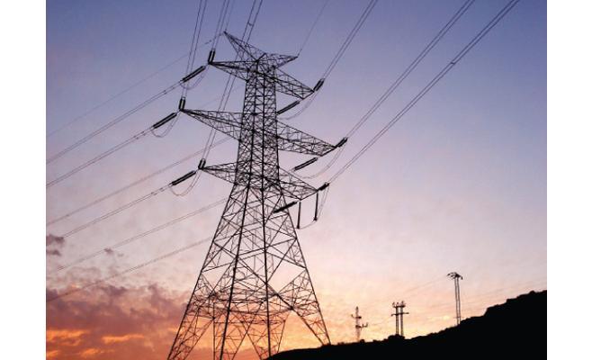الأردن يستورد 8 جيجاواط إضافية من الكهرباء المصرية سنويا