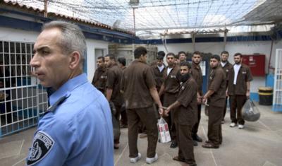 """رعب """"كورونا"""" يلاحق المعتقلين في مصر و سوريا و العراق و الأسرى الفلسطينيون: أنقذونا قبل تحوّل سجوننا إلى قبور"""