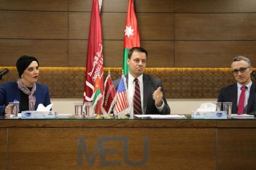 الملحق الاعلامي في السفارة الامريكية : مليار دولار مساعدات اضافية تصل الأردن الشهر المقبل