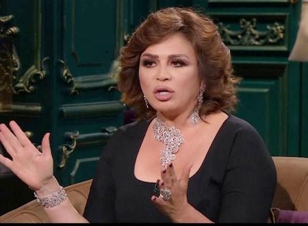 إلهام شاهين ترد على اتهاماتها بإفشال زواج أختها من عمرو دياب