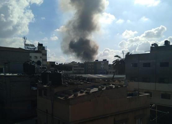 """أنباء عن وقوع وفيات و إصابات بعد """"انفجار ضخم"""" هز سوق شعبي في غزة"""