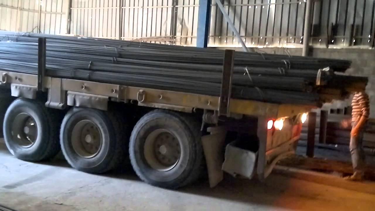شكاوي من خطورة التحميل الزائد للشاحنات
