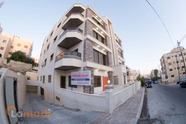 شقة شبه أرضية 160م مع حديقة جميلة 200م في الجندويل للبيع من المالك مباشرة