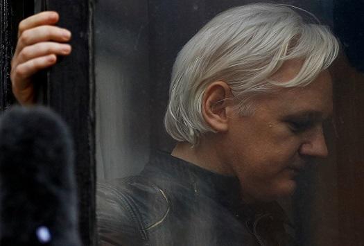 مؤسس موقع ويكيليكس قد ينتحر