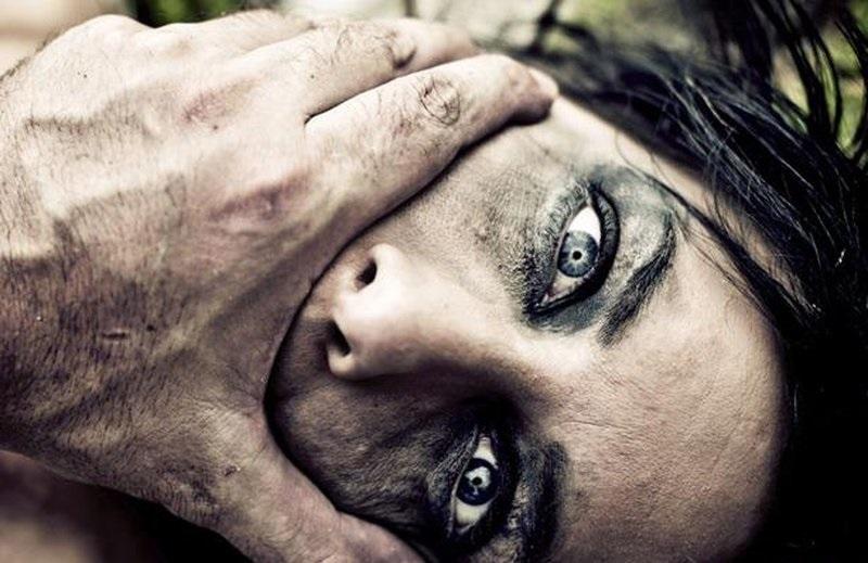 """الضرب حتى الموت لمصرية اعترفت لزوجها بهذه """"المصيبة""""   ..  """"تفاصيل"""""""