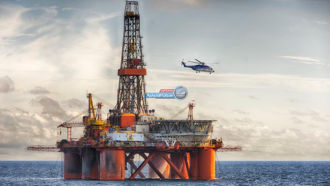 النفط يواصل الصعود بعد سلسلة مكاسب أسبوعية وسط أزمة الطاقة