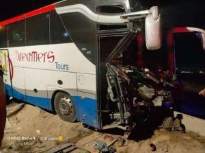 سائق مصري غافله النعاس فاصيب 21 إصابة بحادث سير