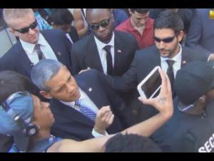 """بالفيديو.. """"أوباما المزيف"""" يخدع سكان نيويورك شاهد ردة فعلهم"""