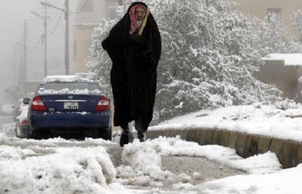 الأرصاد تكشف عن موعد المنخفض الجوي القادم للمملكة  ..  فهل ستتساقط الثلوج من جديد؟