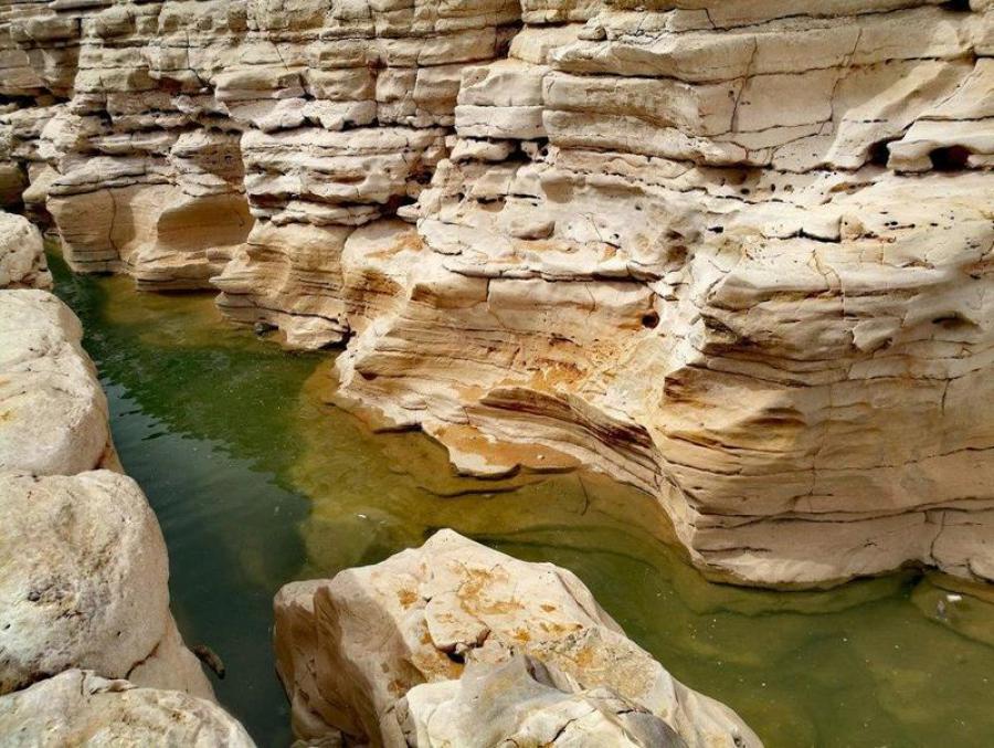 بالصور ..  كهوف السعودية أماكن سياحية جديرة بالاستكشاف