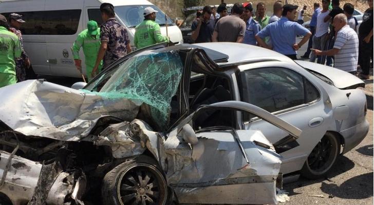 إصابة (6) أشخاص اثر حادث تصادم 9 مركبات في البلقاء
