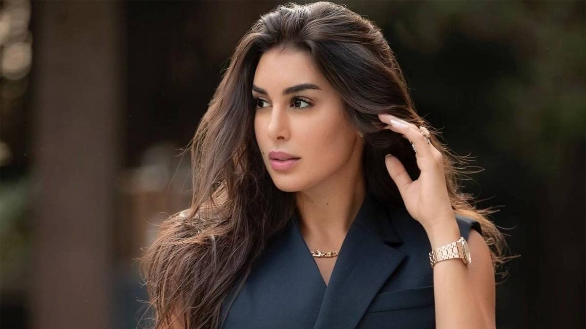 بالصور  ..  ياسمين صبري متهمة بتقليد كيم كاردشيان