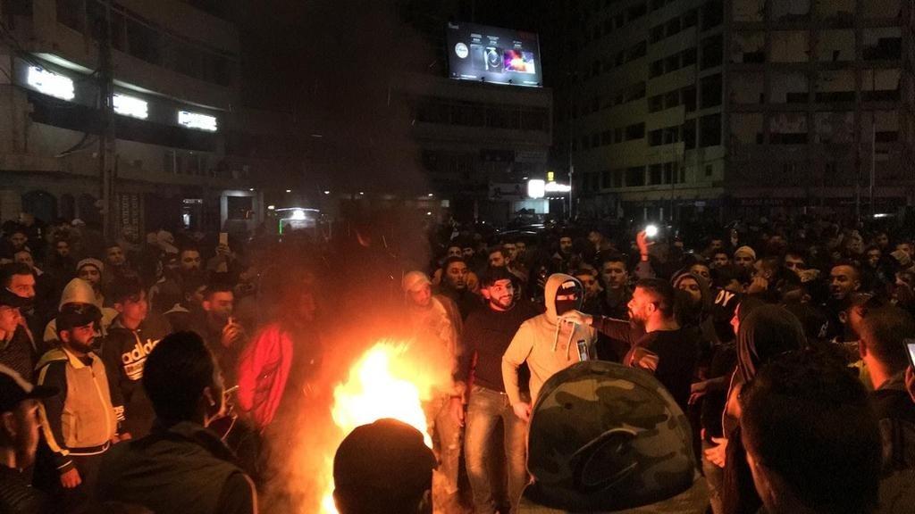 بعد موجة الغضب  ..  لبنان تلغي ضريبة الواتس اب