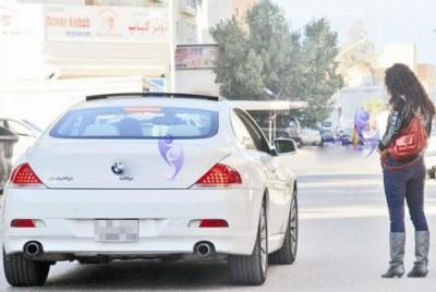 شرطي سوداني يقتل ويصيب 11 شخصاً رمياً بالرصاص