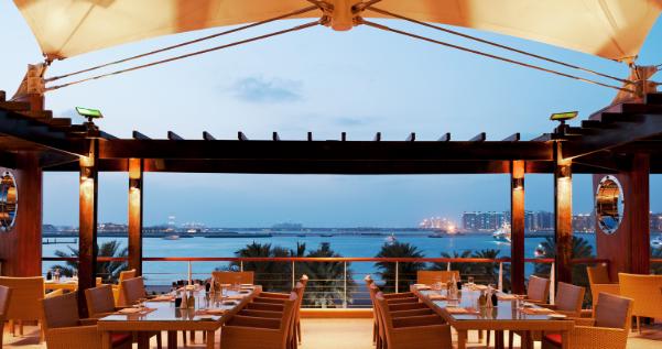 مطعم في دبي يفرض غرامة على من لا يأكل طعامه بالكامل