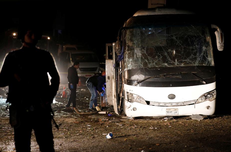 """الداخلية المصرية: عبوة بدائية الصنع وراء انفجار """"الأتوبيس السياحي"""""""