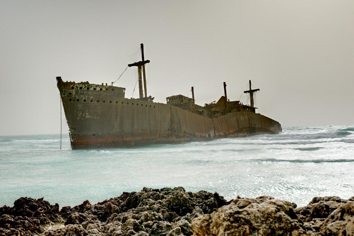 بالصور ..  شاهد أجمل أماكن السياحة في جزيرة كيــش