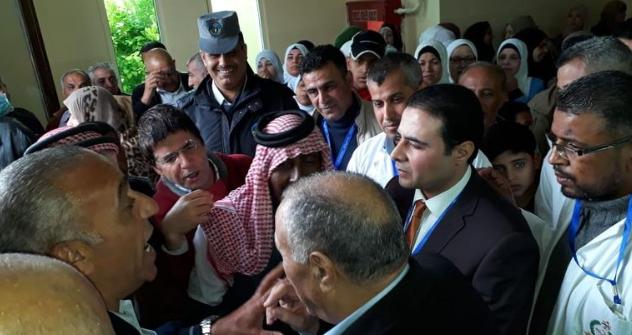 وزير الصحة يزور بصورة مفاجئة مستشفى ابي عبيدة في الاغوار  ..  ويغادر منزعجاً