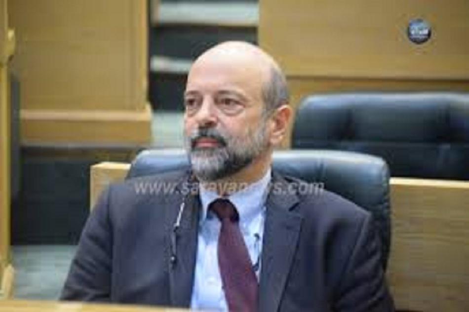 الرزاز يغادر قبة البرلمان بعد كلمة قاسية من الظهراوي وبني مصطفى