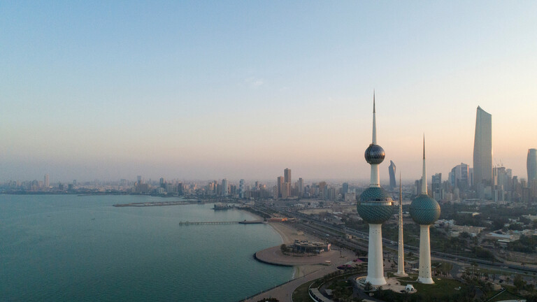 وزراء الحكومة الكويتية يقدمون استقالاتهم إلى رئيس الوزراء