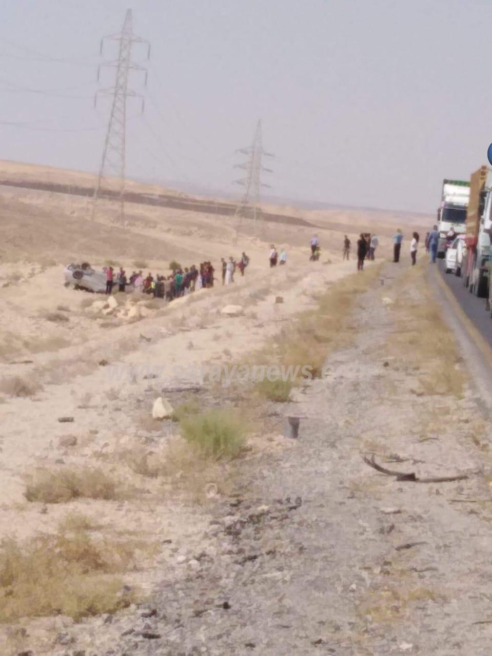 بالصور  .. وفاة شخص وإصابة ثلاثة آخرين اثر حادث تدهور على الطريق الصحراوي
