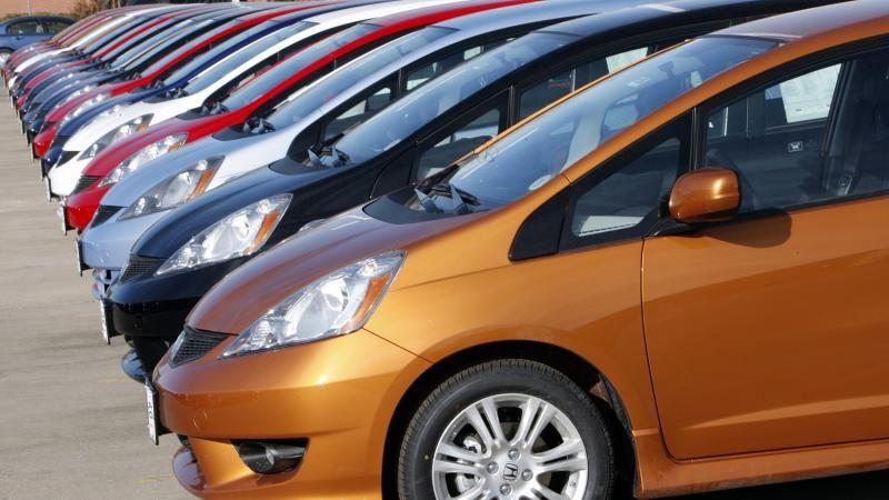 هل يؤثر لون السيارة على ارتفاع حرارة داخليتها واستهلاكها للوقود؟
